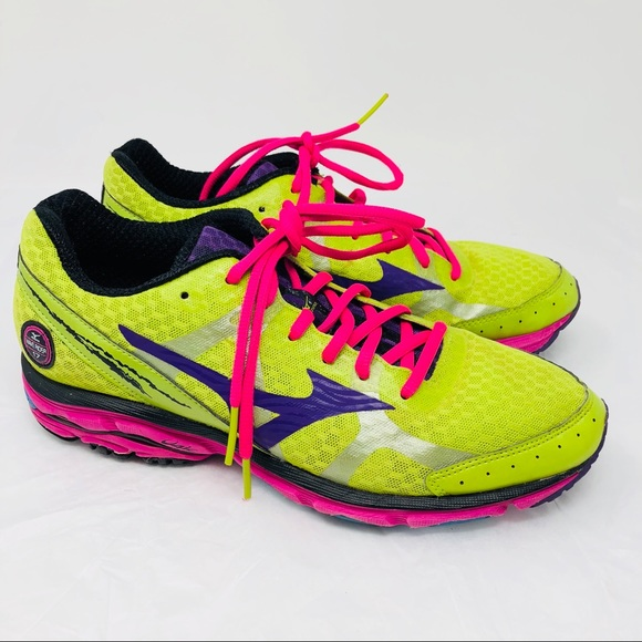 low priced ec18e 92489 Mizuno Wave Rider 17 Running Shoes Neon green 9